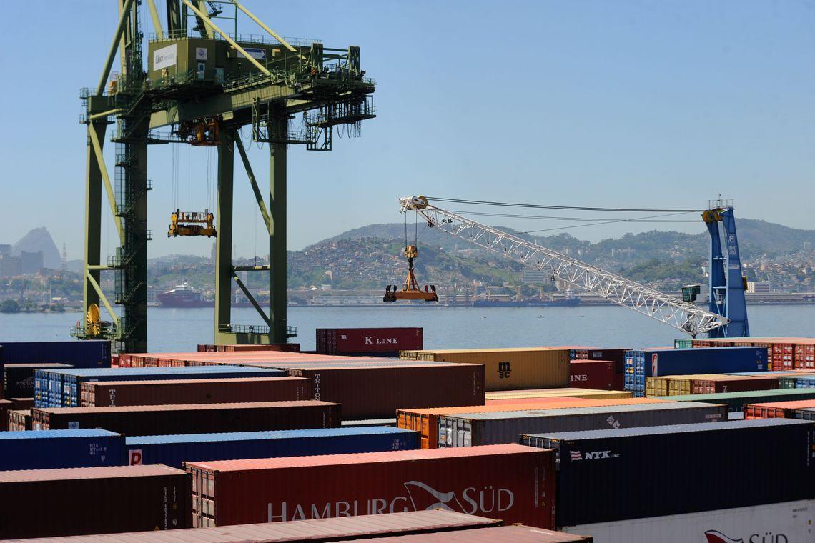 Brasil vende três áreas nos portos de Santos e Paranaguá   : : CidadeMarketing : :